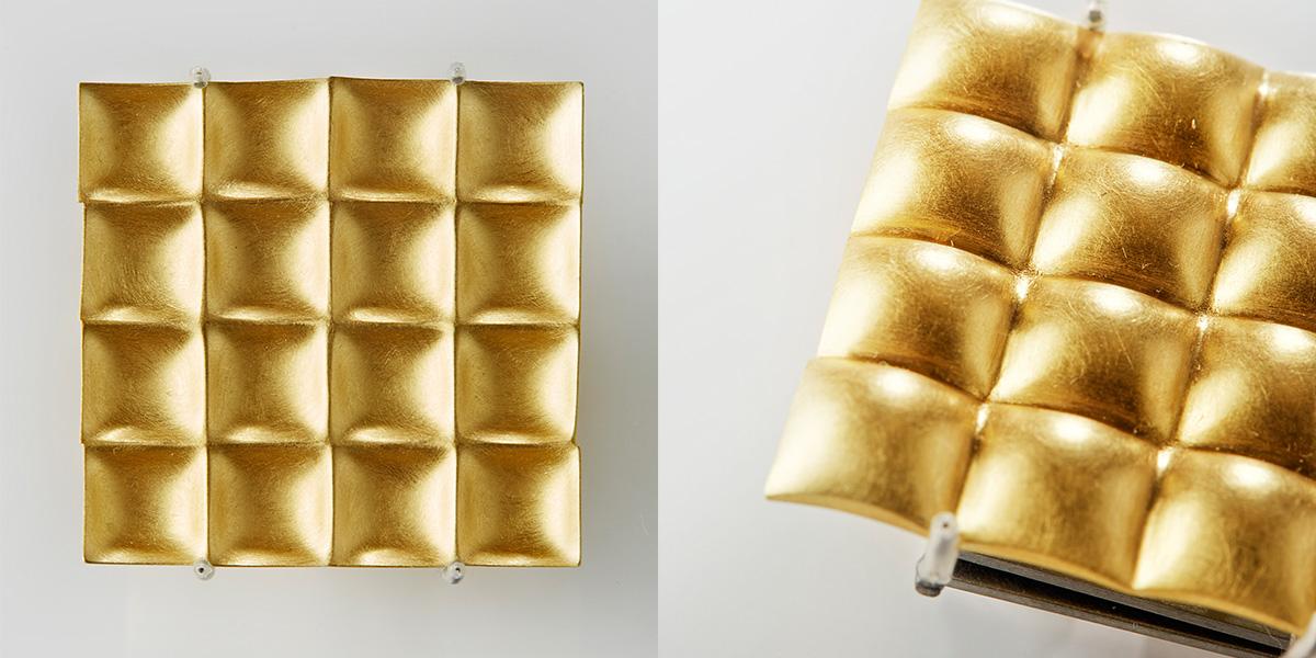 Omkeerbare broche, 18k goud en veerstaal