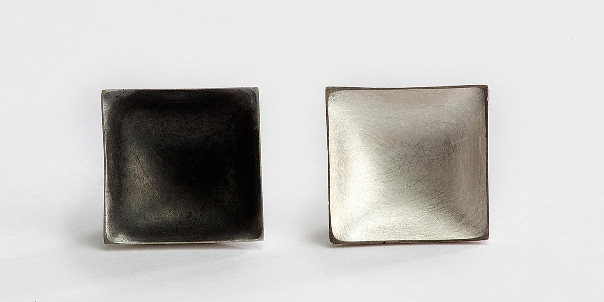Vierkante pin, mat gesatineerd goud