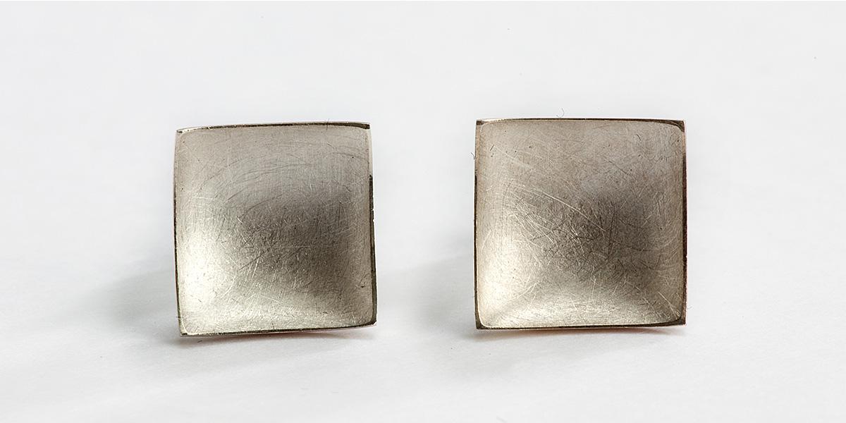 Vierkante oorstekers, 18k goud