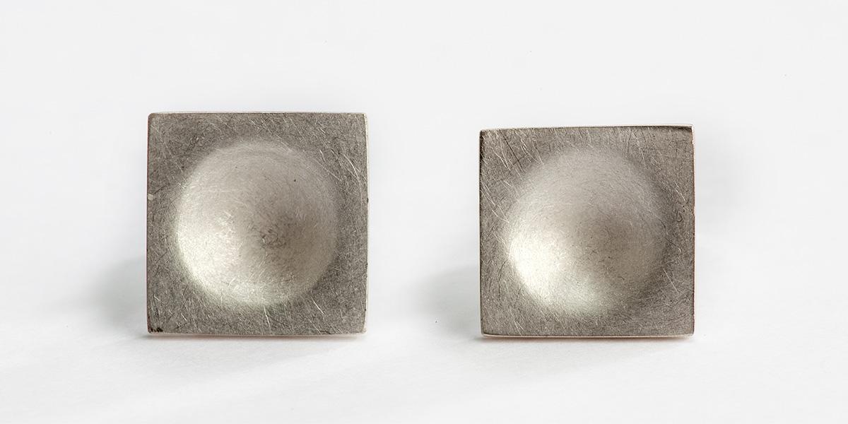Vierkante oorstekers, mat gesatineerd goud