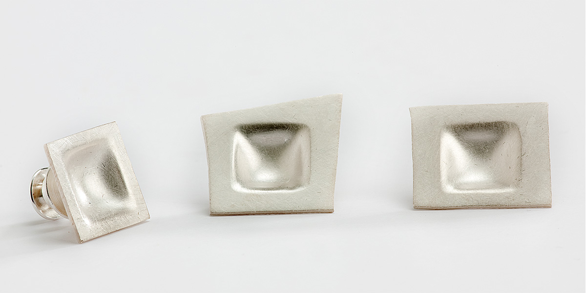 Pin en manchetknopen, 18k mat goud