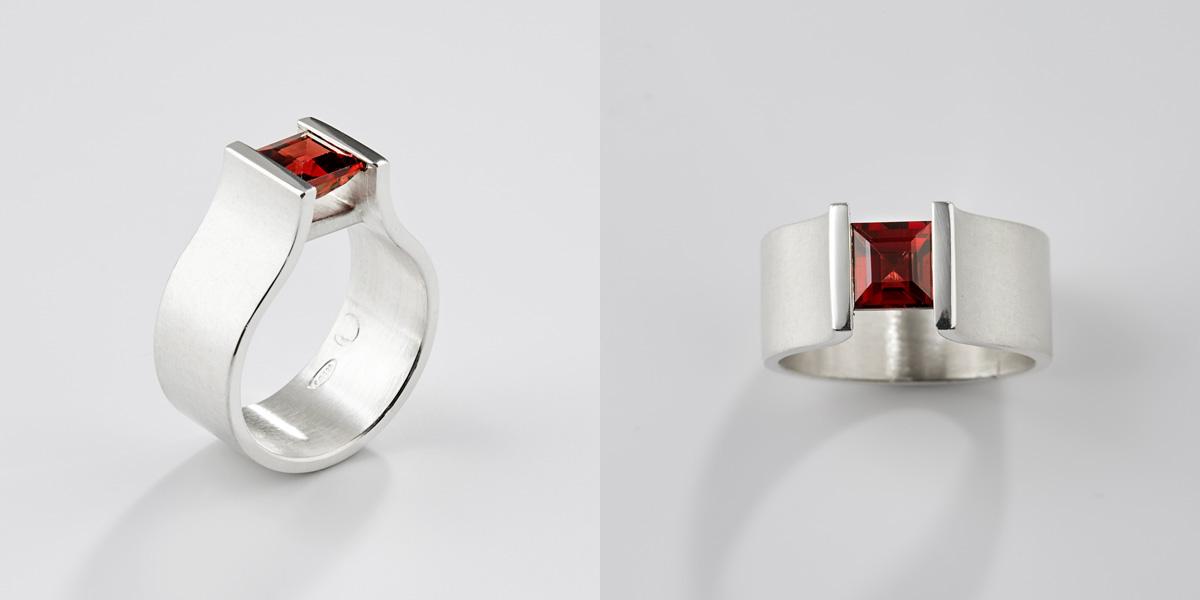 18k wit gouden ring met vierkante granaat edelsteen