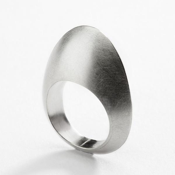 Hedendaagse ring, 18k wit goud