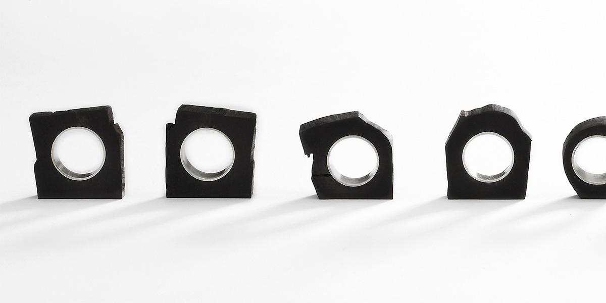 Ringen en hangers, zwart ebbenhout 18k witgoud en natuurlijke witte diamant