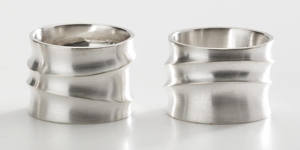 Sculpturale ringen, 18k mat wit goud