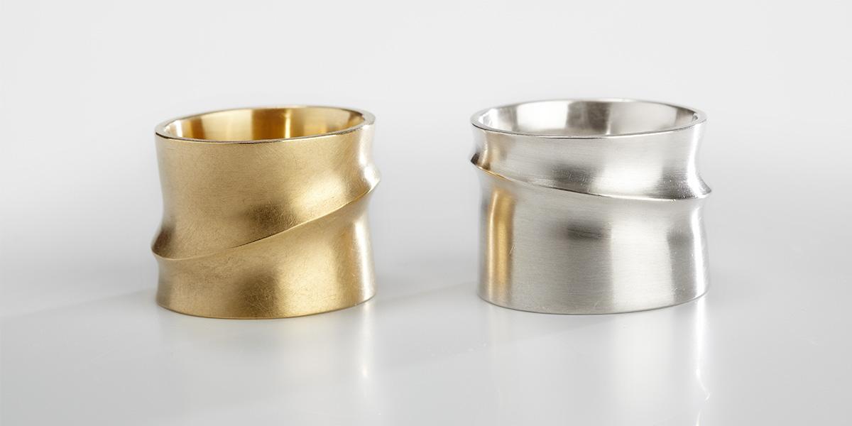 Hedendaagse 18k mat gouden ringen