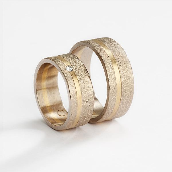 Hedendaagse trouwringen, 18k goud met diamant