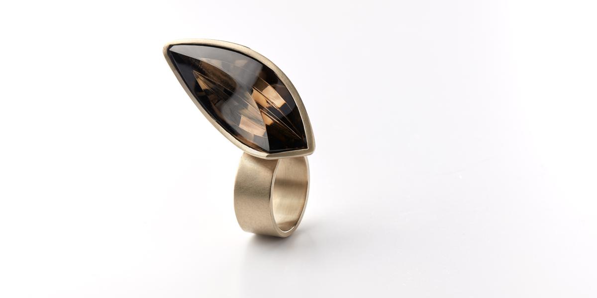 gouden ring rookkwarts edelsteen statement juweel
