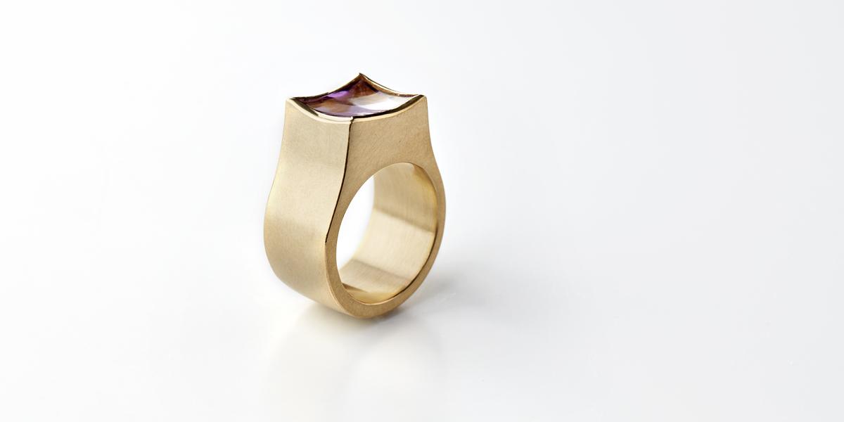 gold ring amethyst gemstones antwerp jeweller